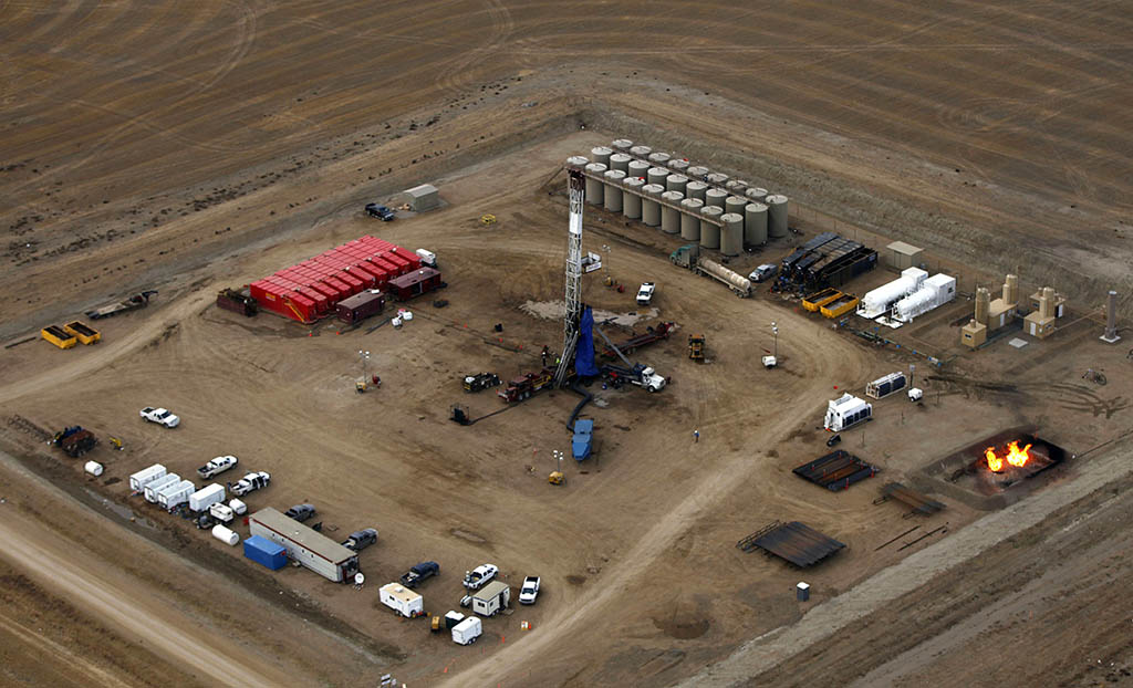 Completions of hydraulically fractured gas and oil wells, such as this well in North Dakota, are subject to the 2016 NSPS. Source: sf.co.ua2016.